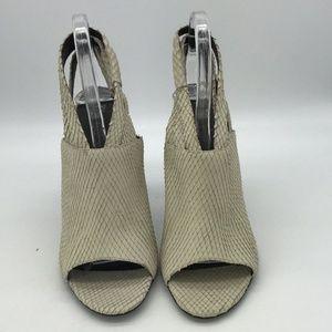 Elizabeth & James Grey Slingback Heels Size 10.5B